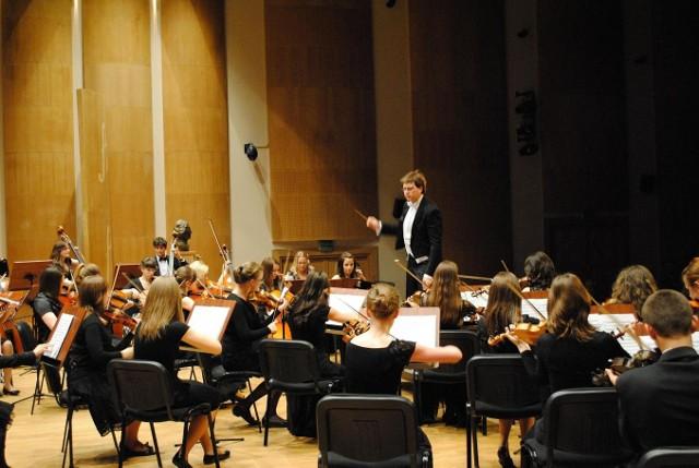 Młodzi muzycy wystąpią pod dyrekcją Kazimierza Dąbrowskiego