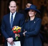 Księżna Kate urodziła syna! Trzecie dziecko pary książecej przyszło na świat w poniedziałek. Wielka Brytania świętuje!