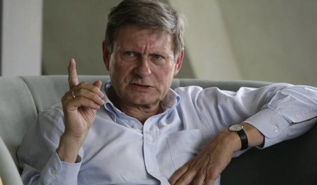 """Punkt  programu to prelekcja prof. Leszka Balcerowicza.   Profesor  otworzy konferencję """"Firma przyszłości"""".  Również on odpowie na pytania z sali."""