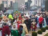 Orszak Trzech Króli 2020 w Skalbmierzu. Po widowisku na Rynku korowód ruszy w stronę kościoła