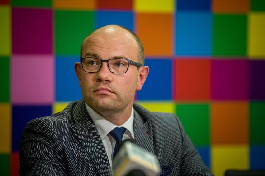 Marszałek województwa podlaskiego Artur Kosicki przebywa w samoizolacji domowej.