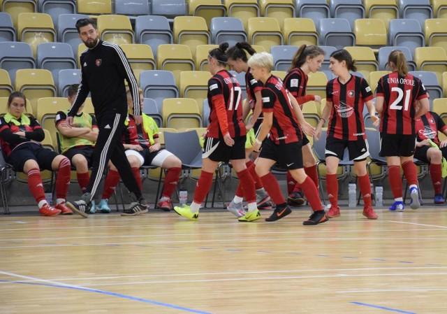 Unia Opole awansowała na drugie miejsce w grupie 1 strefy południowej.