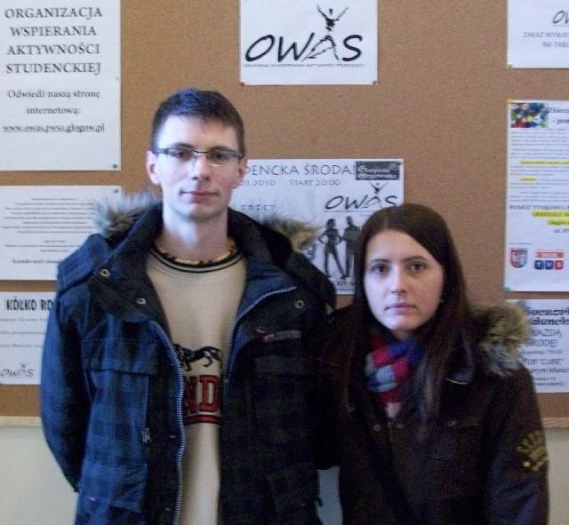 OWAS dużo wnosi w życie uczelni - zapewnia J. Lewandowski, na zdjęciu z Moniką Peregrym.