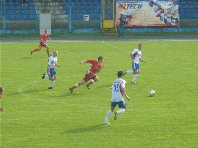 Billy Abbott (z lewej, w białej koszulce )ostatni mecz ligowy w barwach Włocłavii rozegrał 6 czerwca z Polonią Nowy Tomyśl