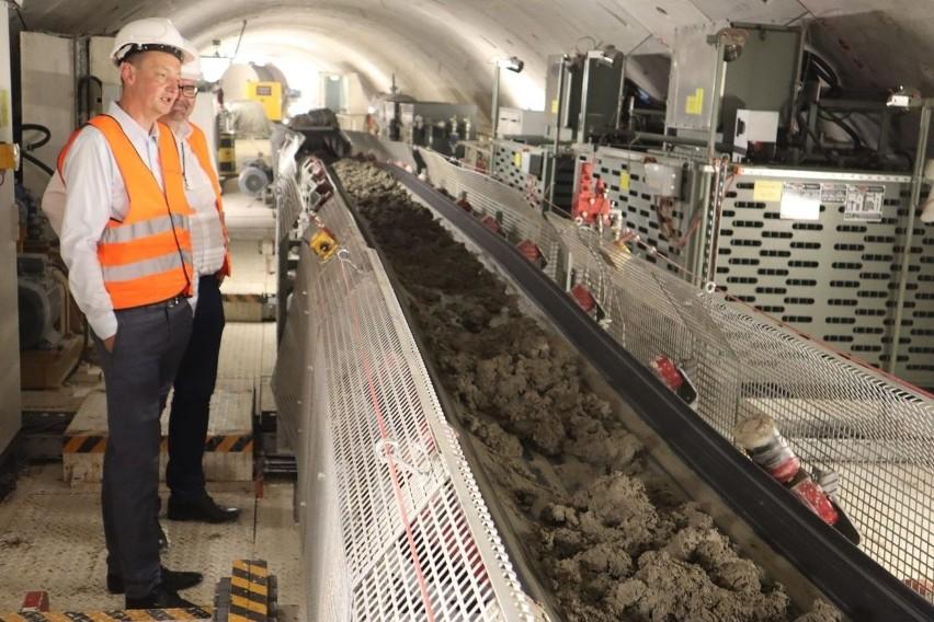Drążenie tunelu kolejowego pod Łodzią posuwa się sukcesywnie...
