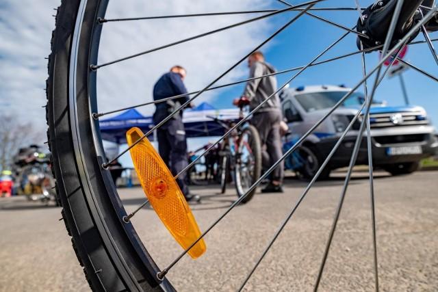 Znakowanie rowerów - zdjęcie ilustracyjne