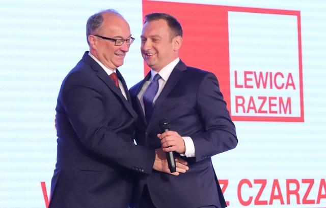 W sobotę (17 lipca) przewodniczący Nowej Lewicy (dawny SLD i Wiosna) Włodzimierz Czarzasty zawiesił w prawach członków partii Tomasza Trelę i pięcioro innych posłów, wszyscy zasiadają w zarządzie krajowym NL. W Warszawie mówią, że gdyby tego nie zrobił, odwołano by go ze stanowiska, a pierwszym, który by go dobił, byłby Trela. CZYTAJ DALEJ NA KOLEJNYM SLAJDZIE>>>