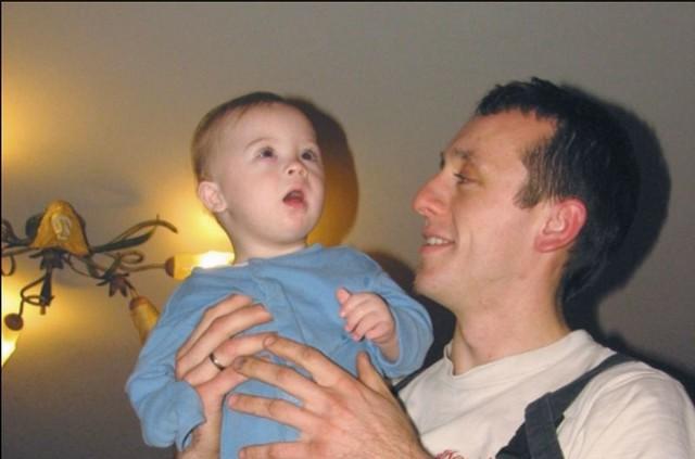 – Szymonkiem zajmuje się cała rodzina. Najważniejsze, żeby był zdrowy – mówi Wojciech, wujek chłopczyka.