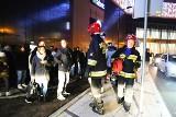 Pożar i ewakuacja w Sukcesji! Wszystkich wyprowadzono na zewnątrz budynku [zdjęcia]