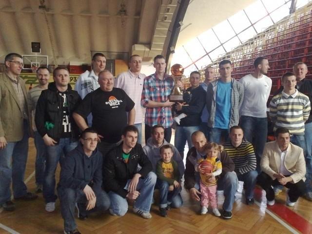 Koszykarze i trenerzy Stali znaleźli czas dla swoich fanów.