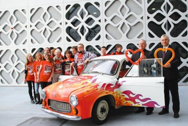 Osoba, która kupi Syrenkę Politechniki Białostockiej, nie tylko zyska kultowy pojazd, ale też pomoże chorym dzieciom. Samochód można już licytować na Allegro. Będzie też atrakcją konferencji przed samym finałem.