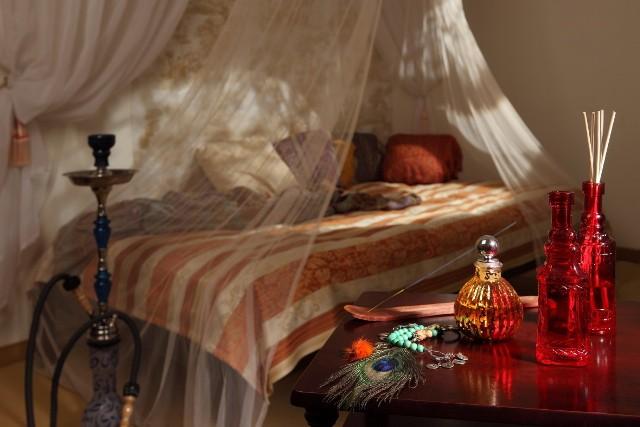 Stylowa sypialniaSypialnia w stylu kolonialnym.