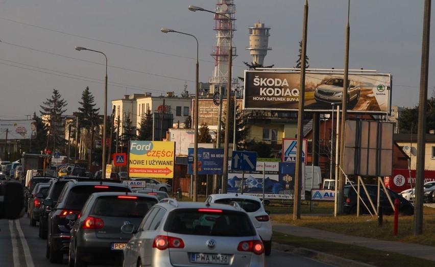 Elementy szpecące przestrzeń i zakłócające jej charakter często są przedmiotem interwencji zgłaszanych do Urzędu Miasta - twierdzi Piotr Sobczak, architekt miasta