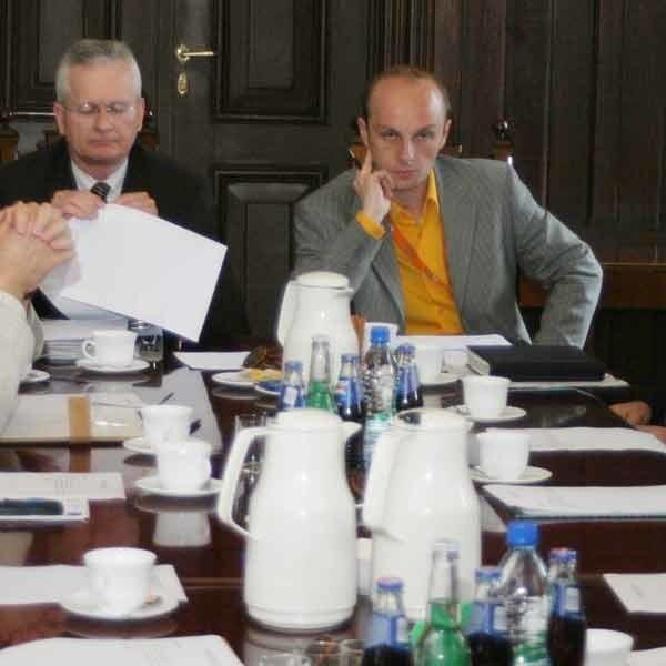 W skład komisji ds. promocji Rzeszowa weszli przedstawiciele lokalnych mediów, wyższych uczelni, największych firm, agencji reklamowych i władze miasta.