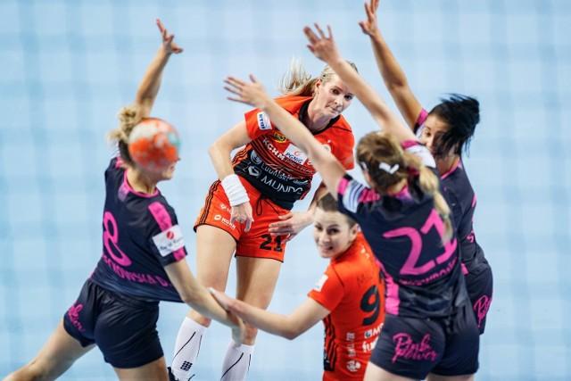 Na bramkę Korony Handball rzuca była zawodniczka kieleckiego klubu, Marta Rosińska
