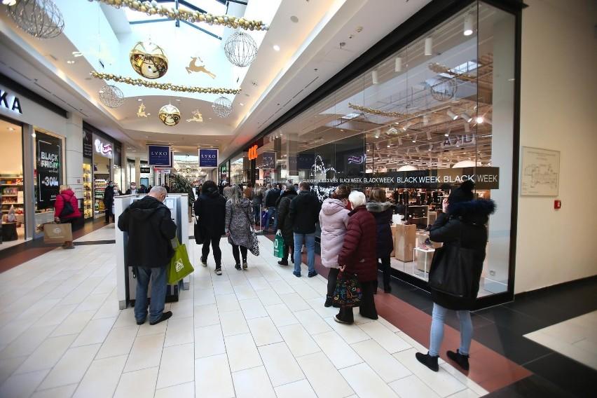 Galerie handlowe zostały ponownie otwarte 1 lutego 2021 r....