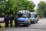 Poszukiwania zabójcy z Borowców. Nie wchodźcie do lasu - policja ostrzega mieszkańców