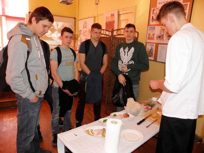 Konkurs kulinarny zorganizowano po raz drugi. Przyszli szefowie kuchni musieli przygotować smaczne zakąski