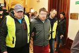 Wrocław: Taksówkarz przejechał Ukraińca. Płacz nie pomógł. Idzie do więzienia