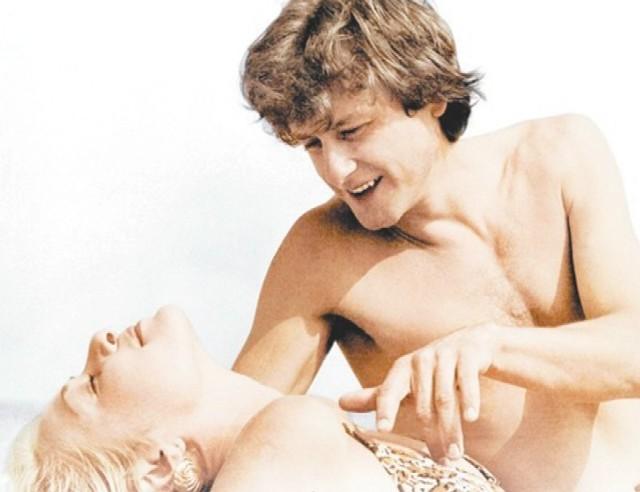 """Tomasz D. miał dobrego nauczyciela. Czerpał inspirację od słynnego oszusta - uwodziciela. W latach 80. powstał o nim serial telewizyjny pt. """"Tulipan"""".  Na zdjęciu plakat z filmu. W rolę Kalibabki wcielił się Jan Monczka."""