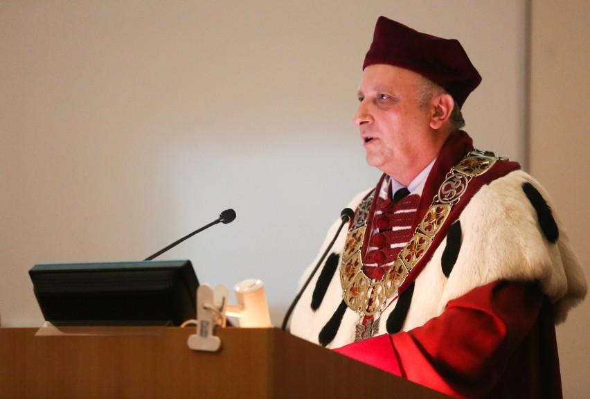 Prof. Janusz Moryś odwołany z funkcji w związku z aferą posłuchową. Pozostaje jednak profesorem GUMedu