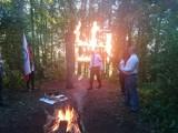 Zadruga Podlasie. Płonąca swastyka i flagi. Tak świętują nacjonaliści (zdjęcia)