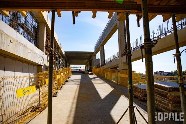 Tak wygląda postęp prac na budowie centrum przesiadkowego Opole Główne.