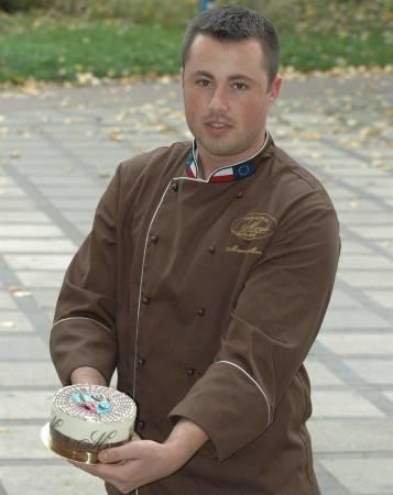 Marcin Meryk jest pomysłodawcą i wytwórcą wyjątkowego wypieku - Tortu Głogowskiego