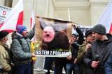 """Protest rolników w Warszawie: Rozmowy OPZZ z rządem zerwane. """"Zablokujemy całą Polskę"""" [ZDJĘCIA]"""