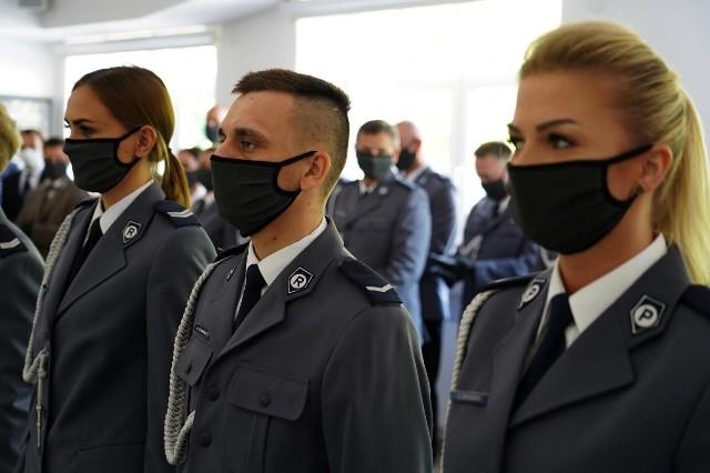 Komenda Miejska Policji w Białymstoku obchodziła święto. Były awanse, wyróżnienia i ślubowanie nowo przyjętych funkcjonariuszy