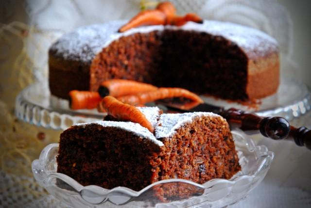 Ciasto marchewkowe z bakaliami. Proste i pyszne. Zobaczcie sprawdzony przepis.