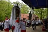 Odpust Wniebowstąpienia Pańskiego w Wejherowie. Zobacz tradycyjny taniec feretronów [FILM]