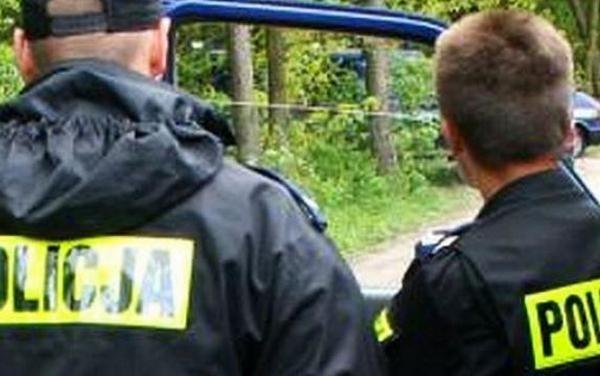 Policjanci reanimowali mężczyznę, który topił się w Kanale Młyńskim