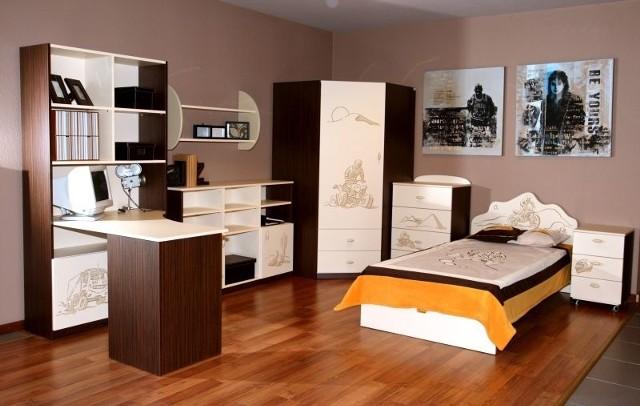 DEK Meble oferuje w swoich salonach pomoc specjalistów, którzy pomogą zaaranżować każde wnętrze według potrzeb i zasobności portfela.