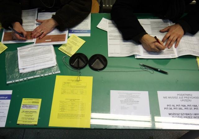 Aby poprawić błąd w zeznaniu należy jeszcze raz wypełnić formularz PIT i złożyć go w urzędzie wraz z wyjaśnieniem