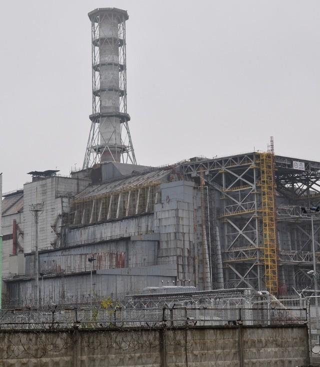 """26 kwietnia 1986 roku doszło do - jak poinformowały władze - """"niegroźnej awarii elektrowni atomowej w Czarnobylu"""". Dziś wiemy, że wybuch 4 reaktora, czyli ta """"niegroźna awaria"""" była największą katastrofą w historii energetyki jądrowej i jedną z największych katastrof przemysłowych XX wieku."""