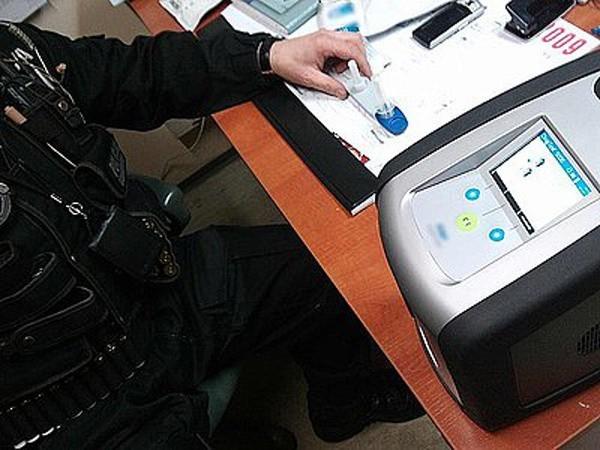 Narkotestery wielorazowego użytku to stosunkowo rzadko występujący sprzęt w polskiej policji
