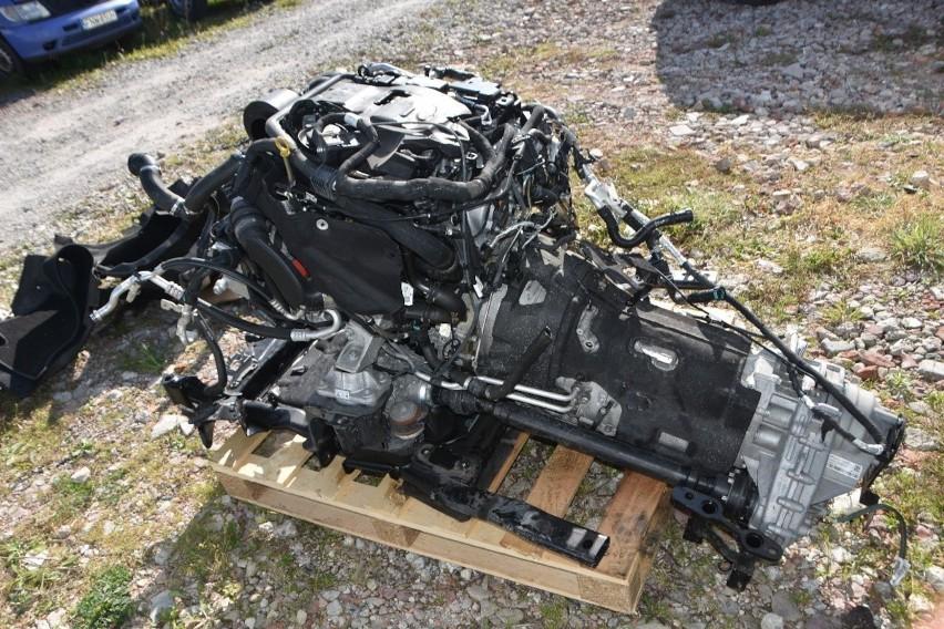 Części z dwóch kradzionych SUV-ów miały trafić na Ukrainę.