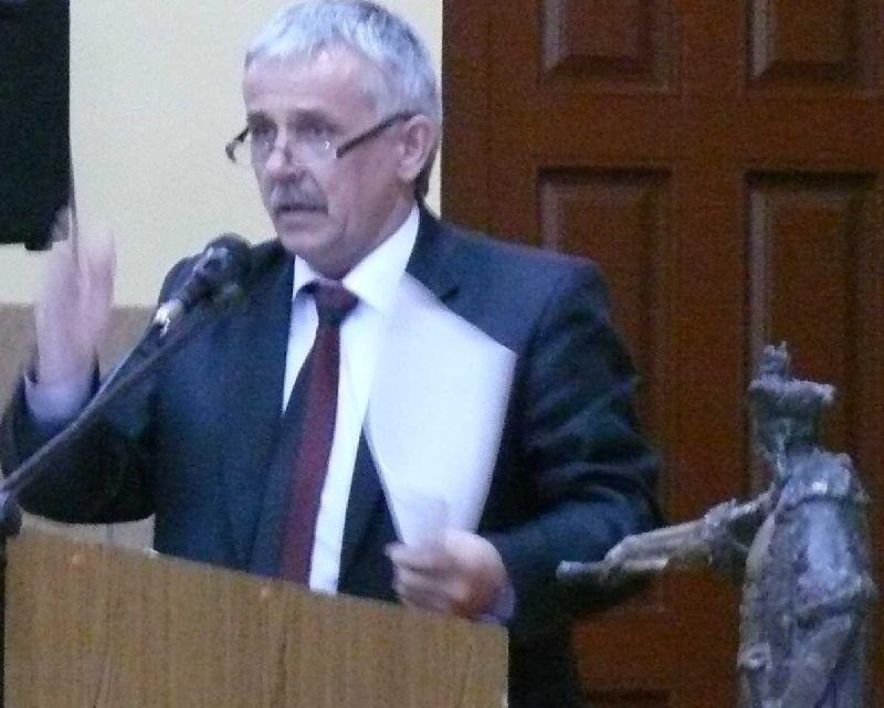 Członkowie Komisji Rewizyjnej poskarżyli się na starostę włoszczowskiego Zbigniewa Matyśkiewicza. Czy skarga jest zasadna, to zbadają radni.