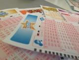 """Kumulacja Lotto. Do wygrania jest 12 mln złotych. Losowanie odbędzie się 8 kwietnia. Czy ktoś trafi """"szóstkę""""?"""
