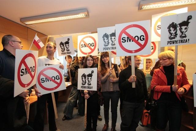 Walka o ochronę powietrza w Małopolsce trwa od prawie 10 lat. Najwyższy czas ją przyspieszyć. Czas ucieka, a z nim zdrowie i życie wielu tysięcy Małopolan.