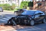Wypadek w centrum Pruszcza Gdańskiego! Autobus zderzył się z osobówką