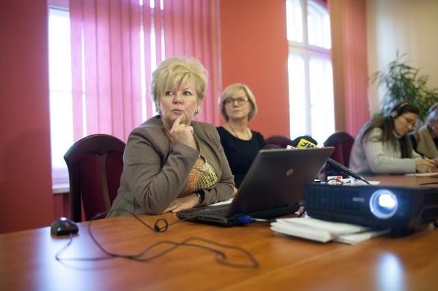 Jolanta Kręcka, dyrektor łódzkiego oddziału NFZ, poinformowała, iż w przyszłym roku na leczenie łodzian poza miejscem zamieszkania zarezerwowano ponad ćwierć miliarda złotych.