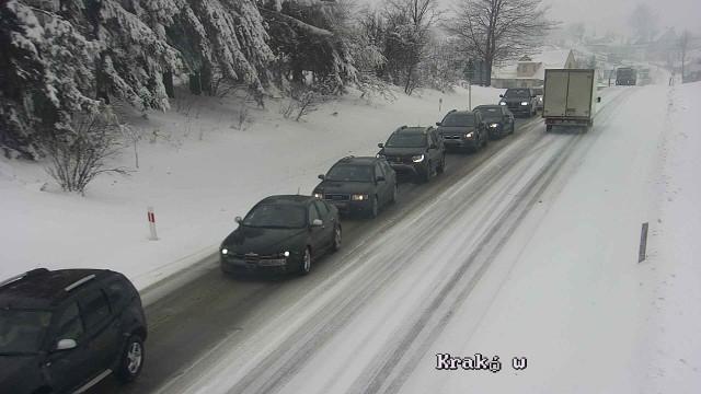 Trudne warunki na małopolskich drogach