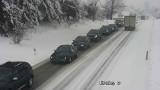 Trudna sytuacja na małopolskich drogach. Ogromne problemy na zakopiance [ZDJĘCIA]