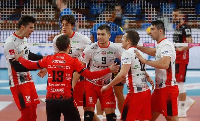 Nicolas Szerszeń (nr 9) w ubiegłym sezonie był gwiazdą Ślepska Malow. Teraz gra w Asseco Resovii Rzeszów.