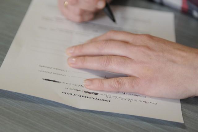 Ubezpieczenie kredytu – zbędny koszt czy realna korzyść?Ubezpieczenie kredytu jest dla banku jedną z form zabezpieczenia spłaty kredytu, ale stanowi dla niego również dodatkowy dochód