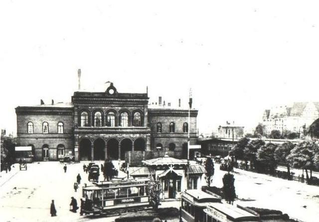 Około 1921 roku - dworzec kolejowy w Poznaniu