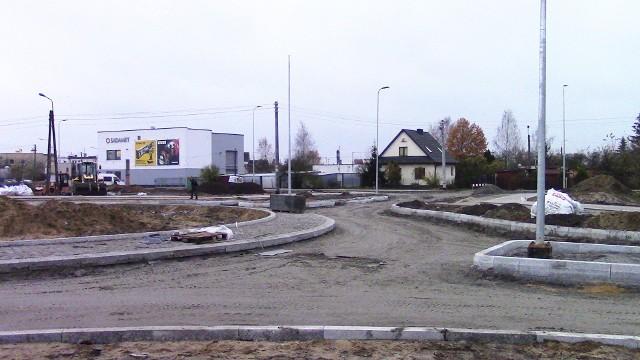 Trwają prace przy budowie drugiej części Trasy Uniwersyteckiej w Bydgoszczy. Na plac budowy wybrał się nasz Czytelnik Marcin Bratoszewski. Oto nadesłane przez niego zdjęcia.