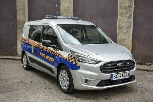To pierwszy nowy radiowóz dla częstochowskich strażników od 6 latZobacz kolejne zdjęcia. Przesuwaj zdjęcia w prawo - naciśnij strzałkę lub przycisk NASTĘPNE